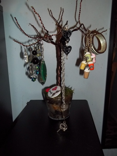 How to make a jewelry tree. Wire Jewelry Tree - Step 6