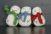 How to make a Christmas decoration. Mini Crochet Snowman - Step 3