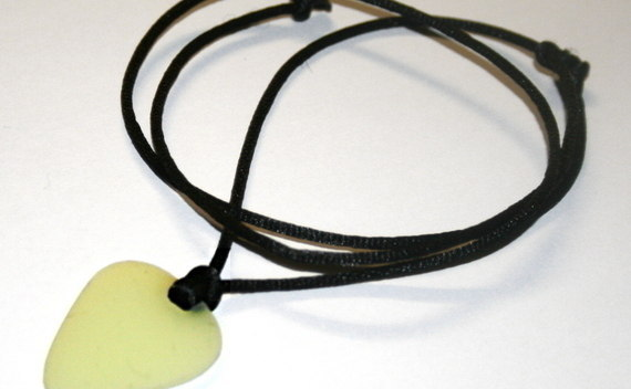 The Easiest Fully Functional, Adjustable, Glow In The Dark Pick Necklace!