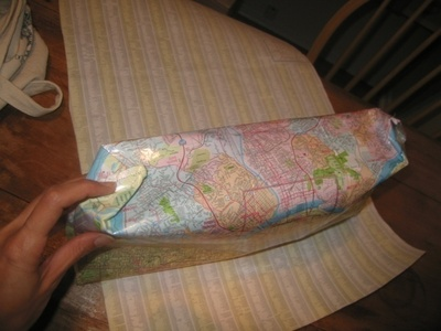 How to make a recycled bag. Paris Map Purse - Step 5