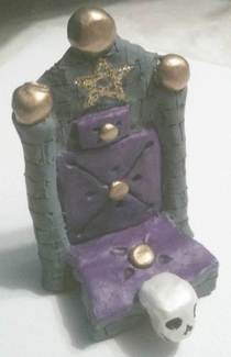 Gothic Cell Phone Throne Rest