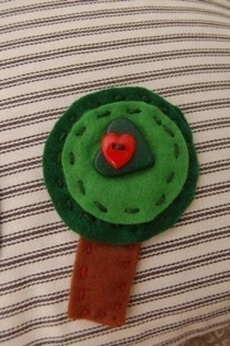 Felt Tree Pin