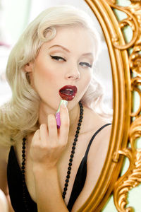 How to paint a red lip. Lip Noir - Step 2
