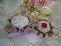 Crafty Cupcake Plushy Pin Cusion