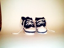 Crochet Converse Baby Booties