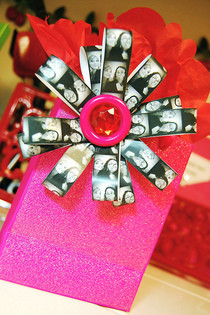 Photo Strip Bow
