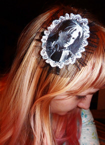Lacrimosa Hairclip