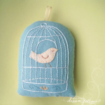 Birdcage Pillow (And Transferring Patterns To Felt)