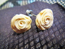 White/Gold Rose Earrings 