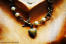 Sparrow And Pearls Wish Locket Bracelet