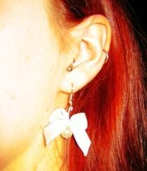 Bubblegoth Pearl Earrings With Bows
