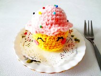 Amigurumi Cupcake Pincushion 