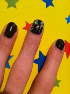 How to paint an animal nail. Cat Nails - Step 5