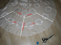 How to make a high-waisted skirt. Lace Skirt Out Of Granny´S Tablecloth - Step 1