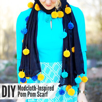 Pom Pom Scarf 