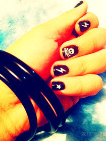 Rocker Nails