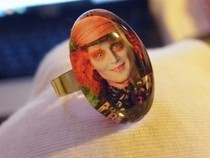 Cabochon Picture Ring