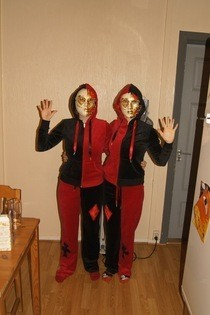 Easy Twin Costumes