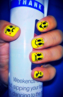 Smiley Emotion Nail Art