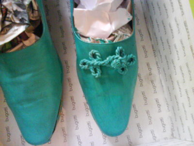 How to make a pair of embellished shoes. Refashioning Your Shoes - Step 18