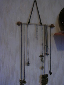 Easy Peasy Necklace Holder!