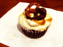 Chocolate, Caramel, And Pretzel Cupcakes!!! :)
