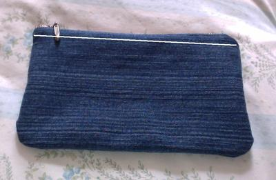 How to make a pouch, purse or wallet. Diy Denim Pencil Case - Step 12