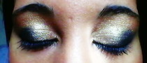 Black & Gold Smokey Eyes