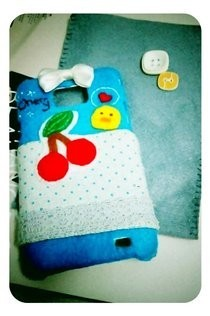 Diy Hand Phone Cover With Felt