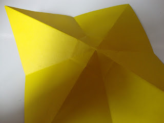 How to fold an origami shape. Origami Bows - Step 8
