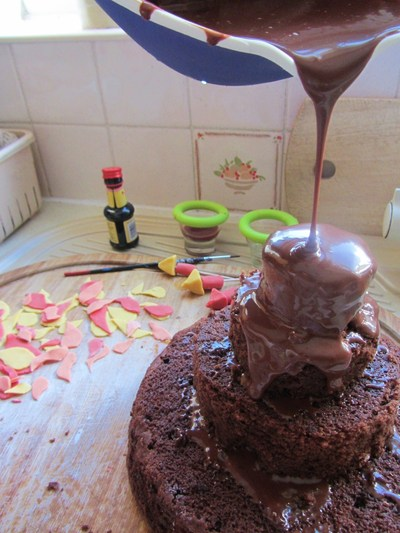 How to bake a tiered cake. Bonfire Night Cake - Step 2
