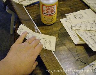 How to make a frame / photo holder. Vintage Sheet Music Wooden Frame - Step 3