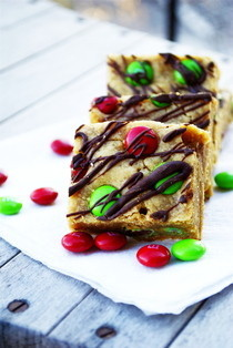 Peanut Butter M&amp;M Blondies