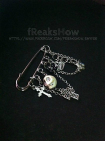 Royal Death Brooch Pin