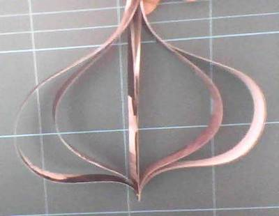 How to make paper. Ornaments With Paper Strips - Step 4