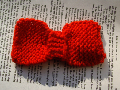 How to crochet a hair bow. Not So Itty Bitty Bows - Step 10