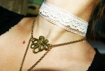 A Sly And Charming Lady Choker
