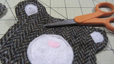 How to sew a fabric animal pouch. Bear Coin Purse - Step 7