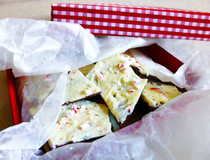Quick & Easy Peppermint Bark!