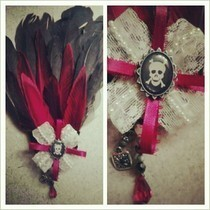 Gothic Feather Fan