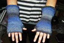 Lace Edged Fingerless Mitts