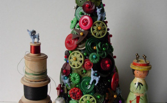 Vintage Button Christmas Tree