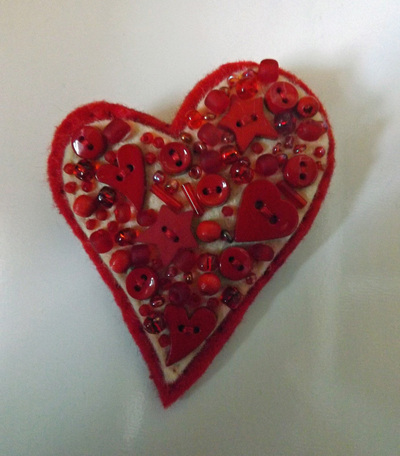How to make a fabric pin. Love Heart Brooch - Step 4