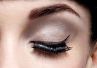 How to create a retro / pinup eye makeup look. Audrey Hepburn - Step 1