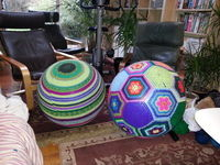 How to make a seat. Amazeballs   Crochet Yoga Balls - Step 5