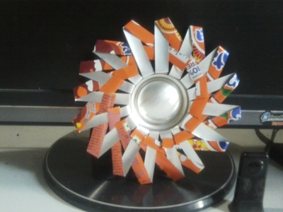 How to make a frame / photo holder. Spikey Photo Frame From Soda Can - Step 6