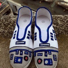 Diy R2 D2 Shoes