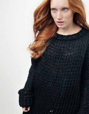 Medium 01 wonderwool sweater spaceblack