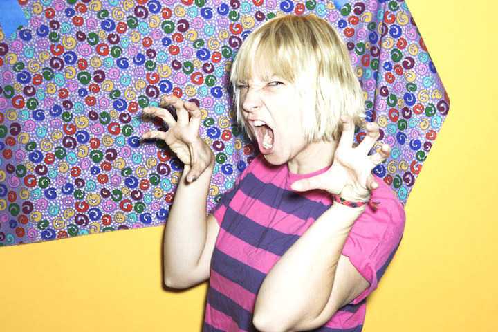Sia: Sia In Snippets Magazine Issue 20
