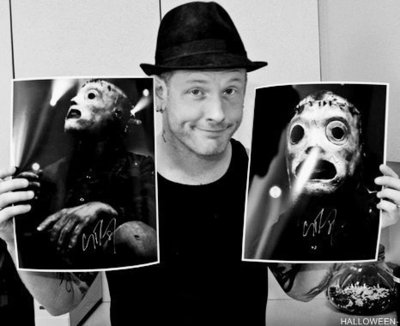 Medium bampw black and white corey taylor man mask favim.com 254428